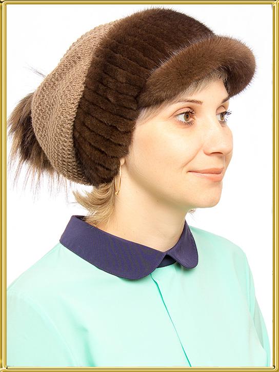Вязаная шапка из меха \